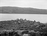 Tshinuatipish, sur le Mushuau-nipi (lac de la Hutte Sauvage), tel qu´il apparaissait lorsque William Brooks Cabot y alla en ao�t 1910 (rivi�re George) (photo William Brooks Cabot, courtoisie Smithsonian Institution)